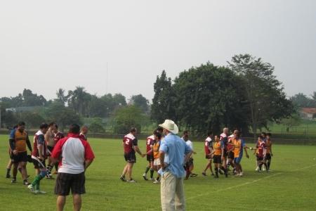Komodos Vs Banteng (Jak 15s Series 2012)