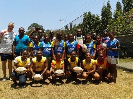 Papuan Rugby Receives a Introduction to GIR