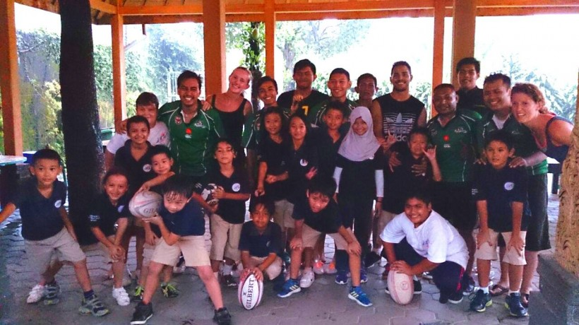 Jogja Chiefs Teach Local School Kids How to Play Rugby