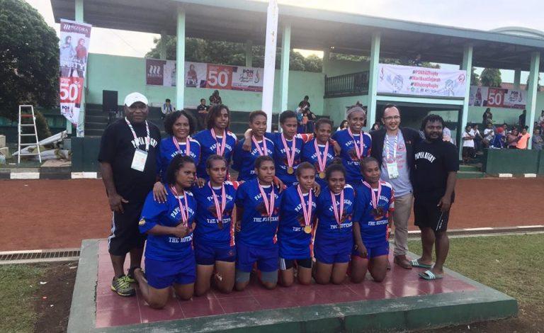 tim-putri-rugby-papua-2016-768x470