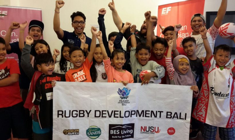 Rugby Bali merayakan Bulan Olimpiade bersama Siswa-Siswi di English First Bali