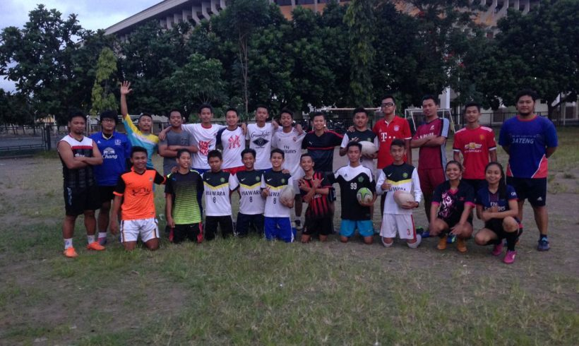 Yogyakarta State University (UNY) Rugby team held a rugby coaching clinic at SMPN 8 Yogyakarta
