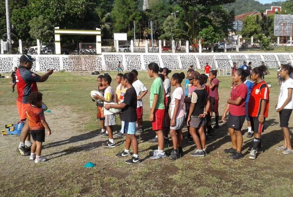Hollandia Papua Rugby Held Get Into Rugby Session